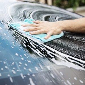 nettoyer voiture avant de polir